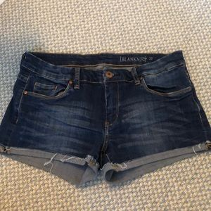 BLANK NYC dark wash denim shorts with cuffs